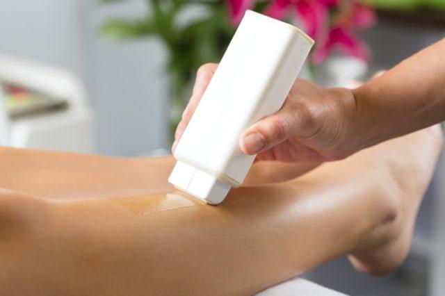 Может использоваться для удаления волос на ногах, груди, спине, животе, в зоне бикини, подмышечных впадинах, над верхней губой